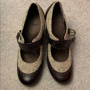 Tweed and leather Aerosoles Roleplay